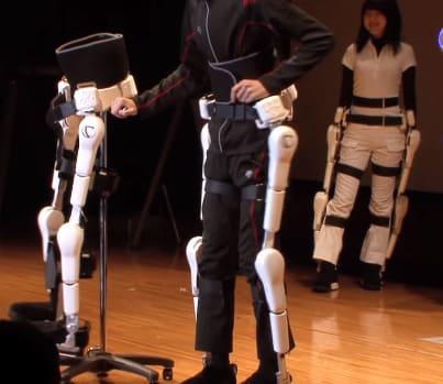 Exoesqueleto Hal de Cyberdyne para ayudar en rehabilitación