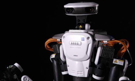 Robot industrial Nextage trabaja con el hombre