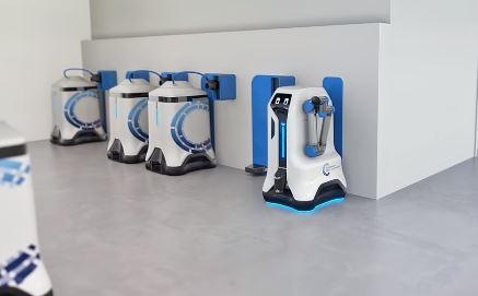 Volkswagen crea un robot que consigue cargar varios automóviles al mismo tiempo